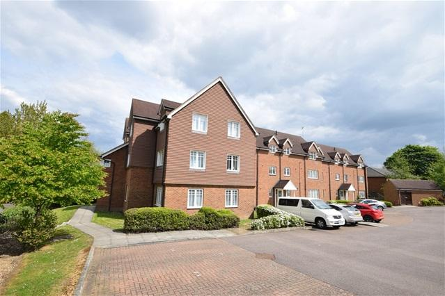 2 Bedrooms Flat for sale in Earlswood, Apsley