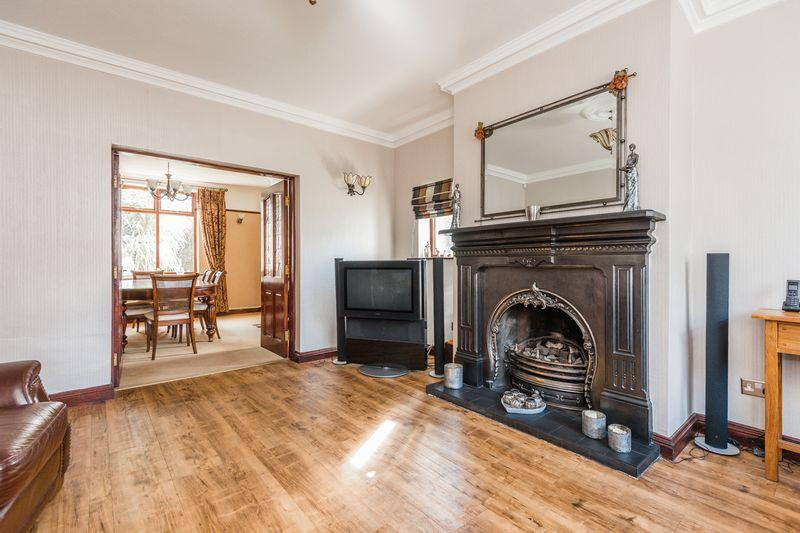 4 Bedrooms Detached House for sale in Moss Lane,Glazebury, Warrington