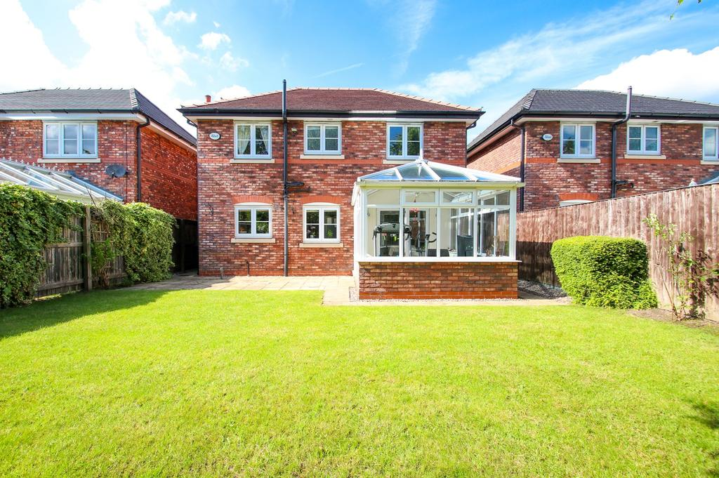 4 Bedrooms Detached House for sale in Kingsbury Drive, Wilmslow, Cheshire, SK9