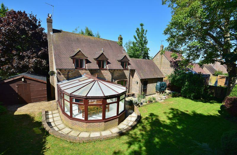 4 Bedrooms Detached House for sale in Chapel Lane, Chilton