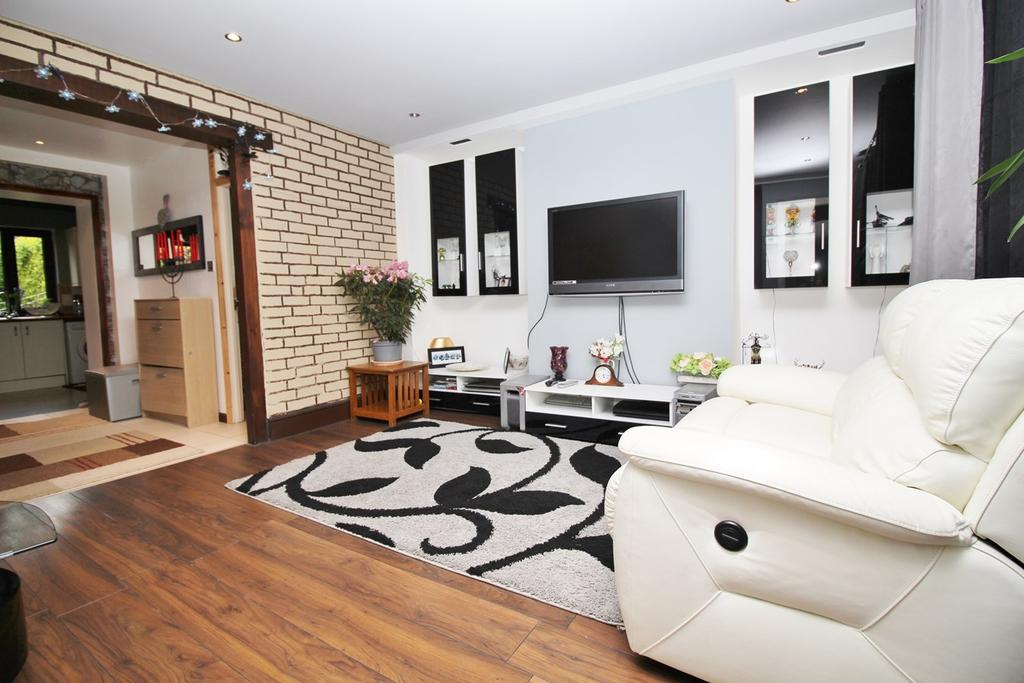 3 Bedrooms Semi Detached House for sale in Stonecross Road, Hatfield, AL10