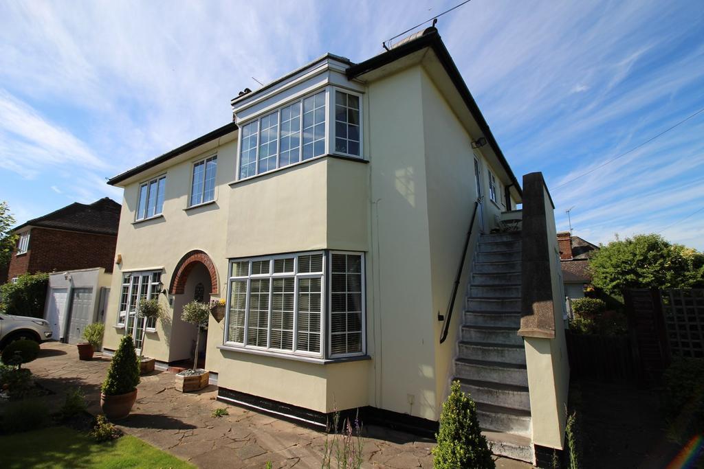 2 Bedrooms Maisonette Flat for sale in Cranborne Road, Hatfield, AL10