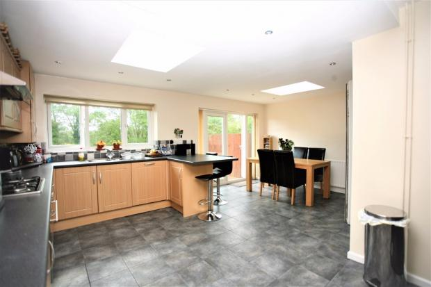 3 Bedrooms Semi Detached House for sale in Ferneley Crescent, Melton Mowbray, LE13