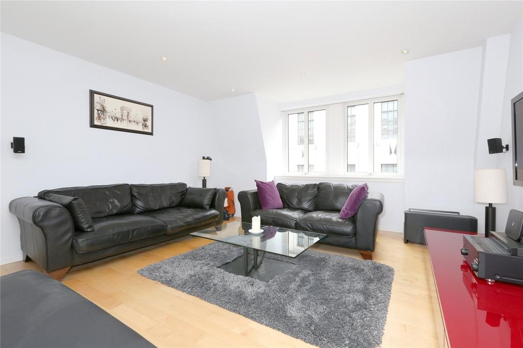 2 Bedrooms Flat for rent in Carthusian Street, Barbican, London, EC1M