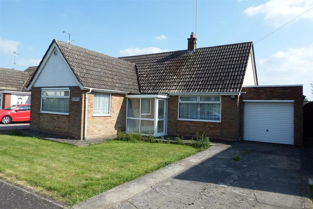 2 Bedrooms Detached Bungalow for sale in Bourne Road, Pode Hole, Spalding