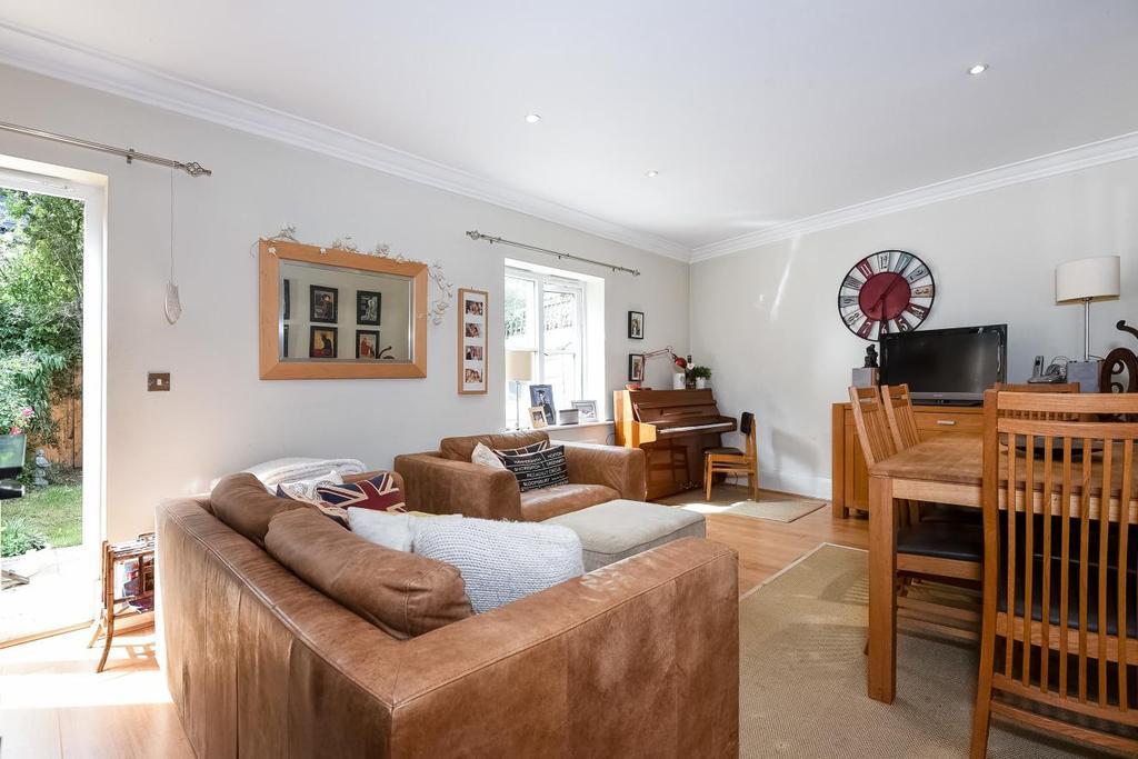 3 Bedrooms Terraced House for sale in Alba Mews, Revelstoke Road, Southfields, SW18