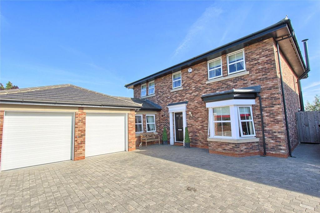 4 Bedrooms Detached House for sale in Junction Road, Norton