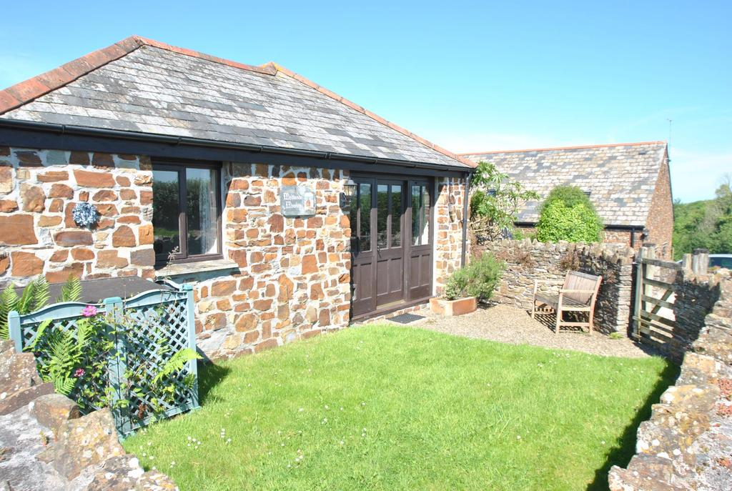 2 Bedrooms Detached Bungalow for sale in Bude, Cornwall