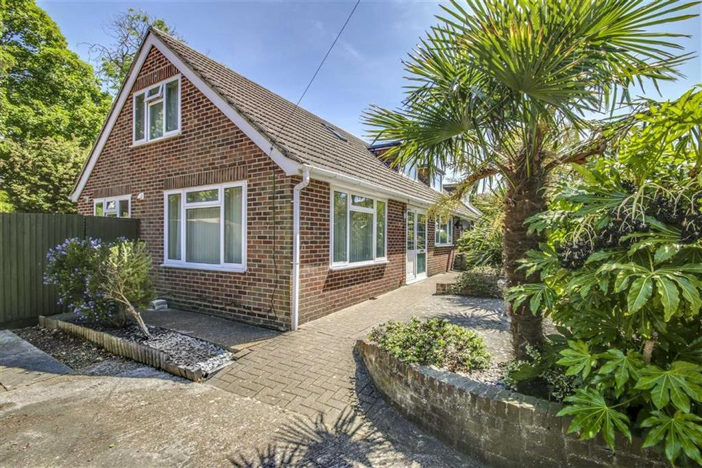 4 Bedrooms Chalet House for sale in Second Avenue, Newhaven