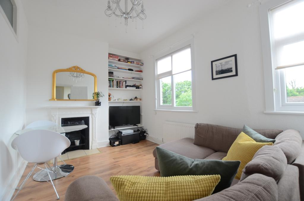 1 Bedroom Flat for sale in Church Vale London SE23