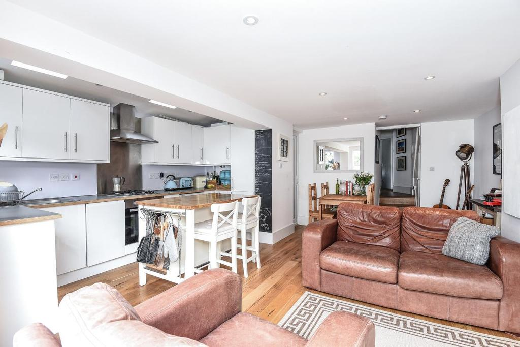 2 Bedrooms Flat for sale in Ashmere Grove, Brixton