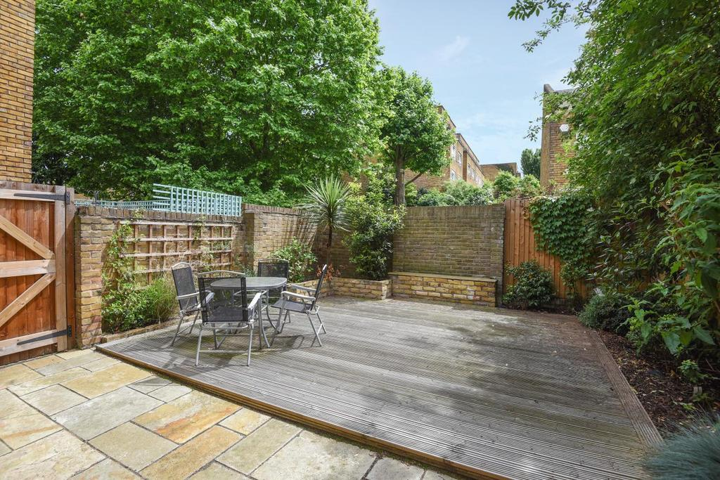1 Bedroom Flat for sale in Nantes Close, Wandsworth