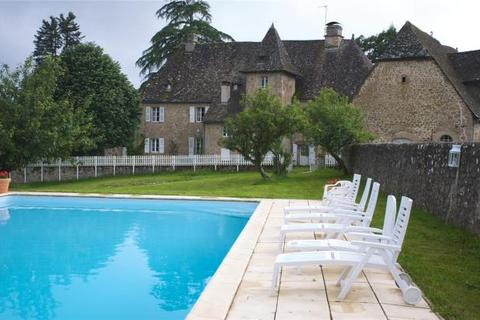 9 bedroom detached house  - 17th Century Templar Chateau, Saint-Privat, Coreeze