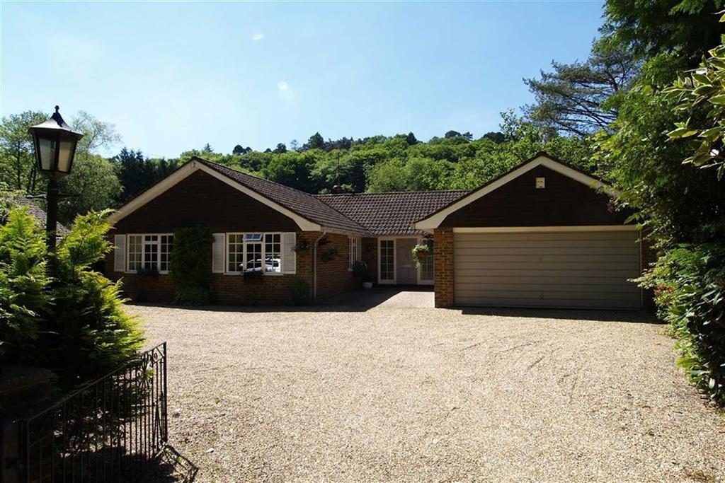 4 Bedrooms Detached Bungalow for sale in Bell Road, Haslemere, Surrey, GU27