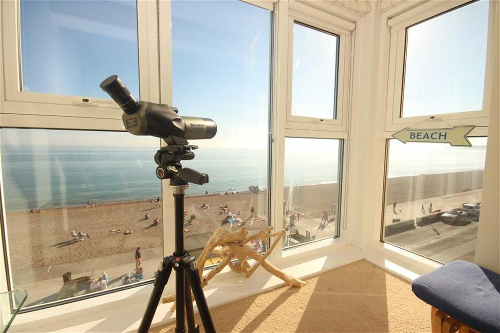 2 Bedrooms Retirement Property for sale in Stratheden Court, Esplanade, Seaford