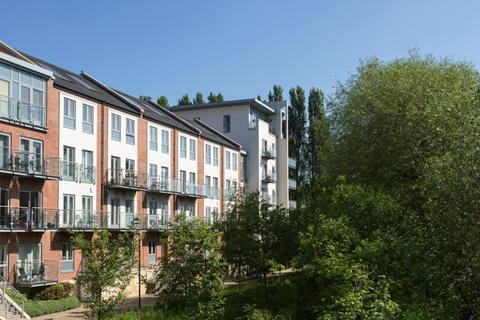 3 bedroom apartment for sale - Adventurers Court, Pond Garth, York, YO1