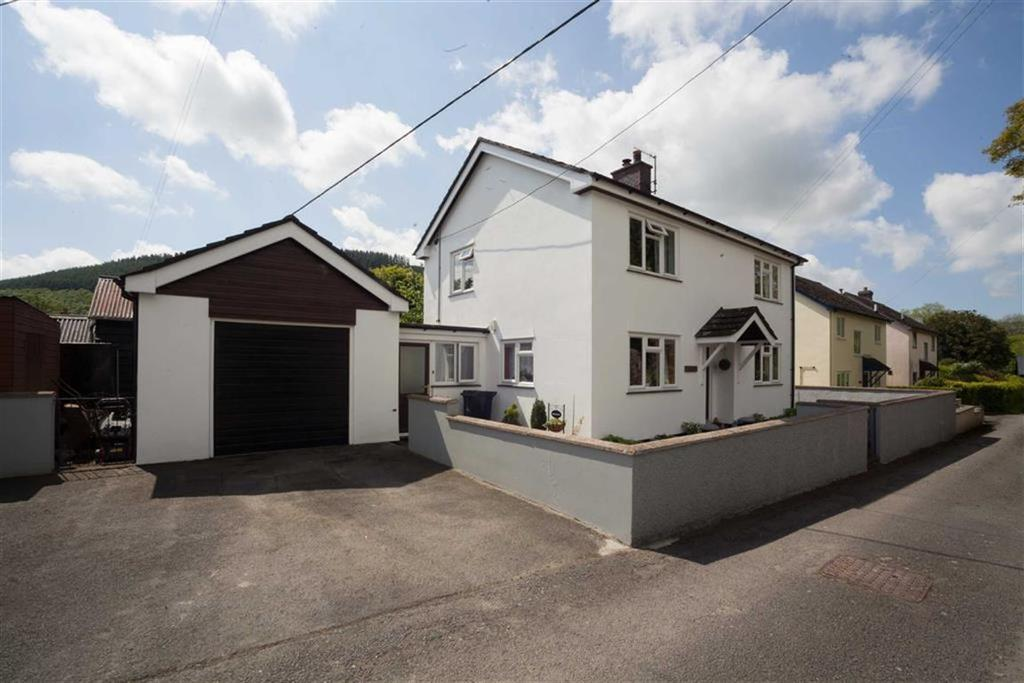 3 Bedrooms Detached House for sale in Hall Lane, NEW RADNOR, New Radnor, Powys