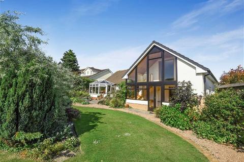 3 bedroom bungalow for sale - Shepherds Meadow, Abbotsham, Bideford, Devon, EX39