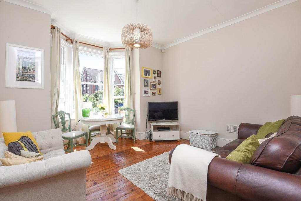 3 Bedrooms Flat for sale in Gleneldon Road, Streatham, SW16