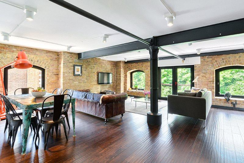 2 Bedrooms Flat for sale in St Johns Wharf, 104 - 106 Wapping High Street, Wapping, London, E1W