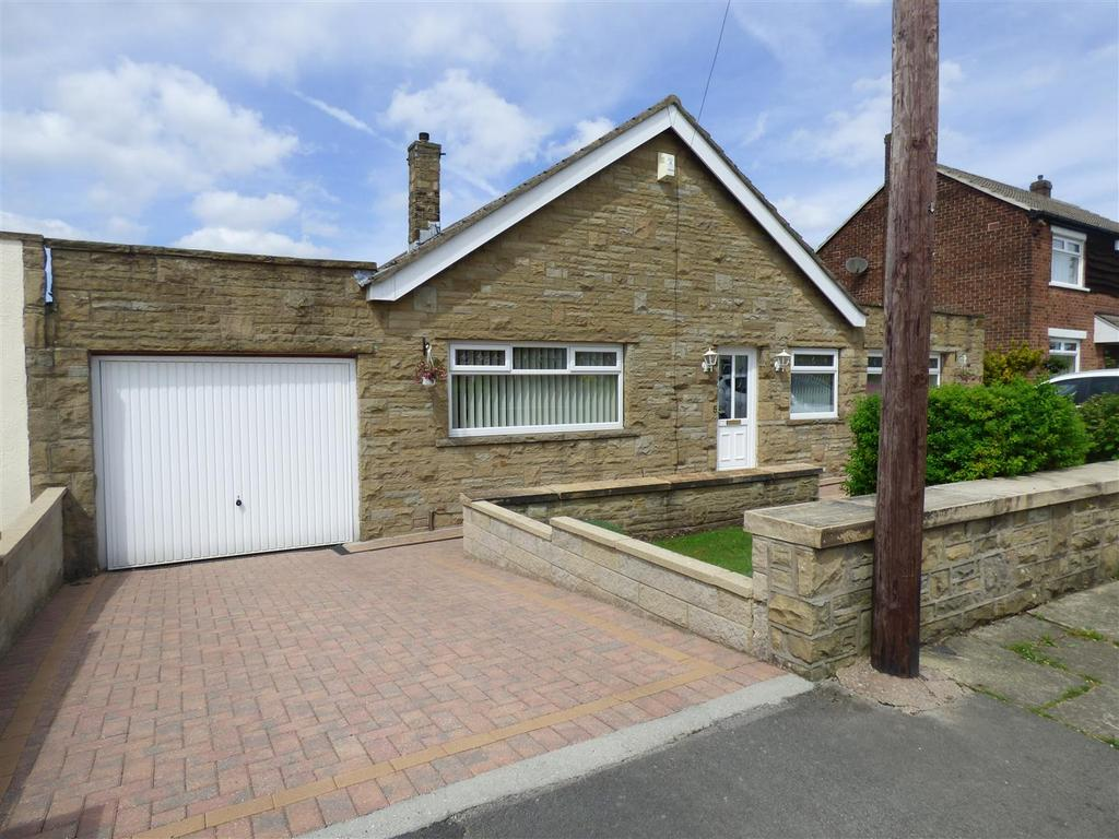 4 Bedrooms Detached Bungalow for sale in Willow Avenue, Wrose