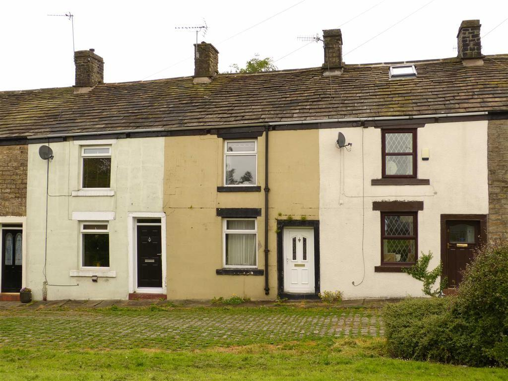 2 Bedrooms Terraced House for sale in Hadfield Square, Glossop