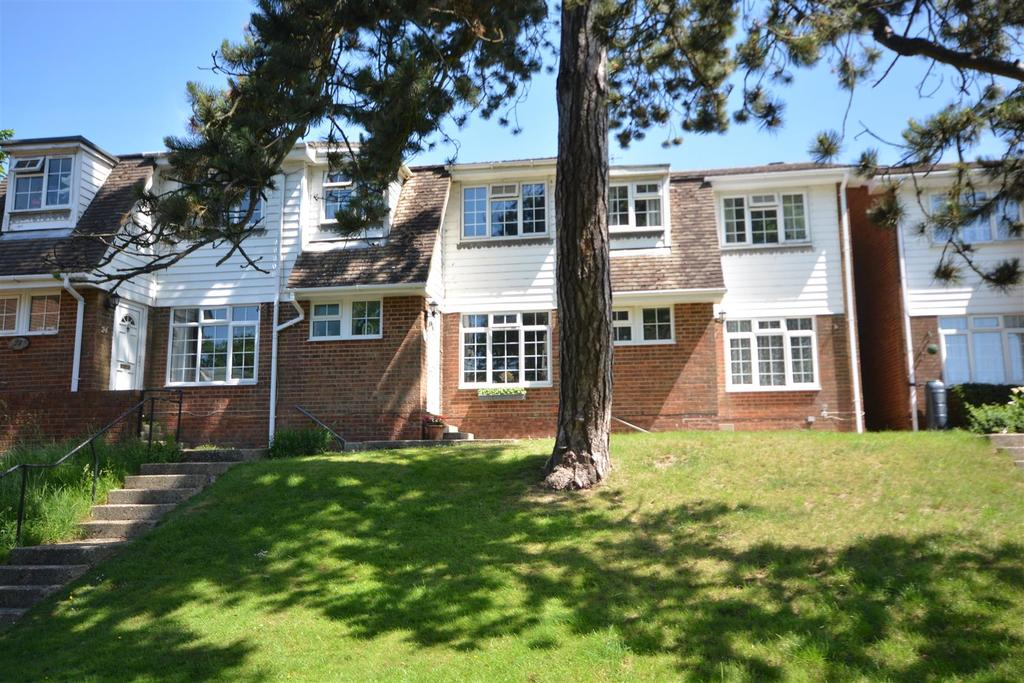 3 Bedrooms Terraced House for sale in Lynwood Close, St. Leonards-On-Sea