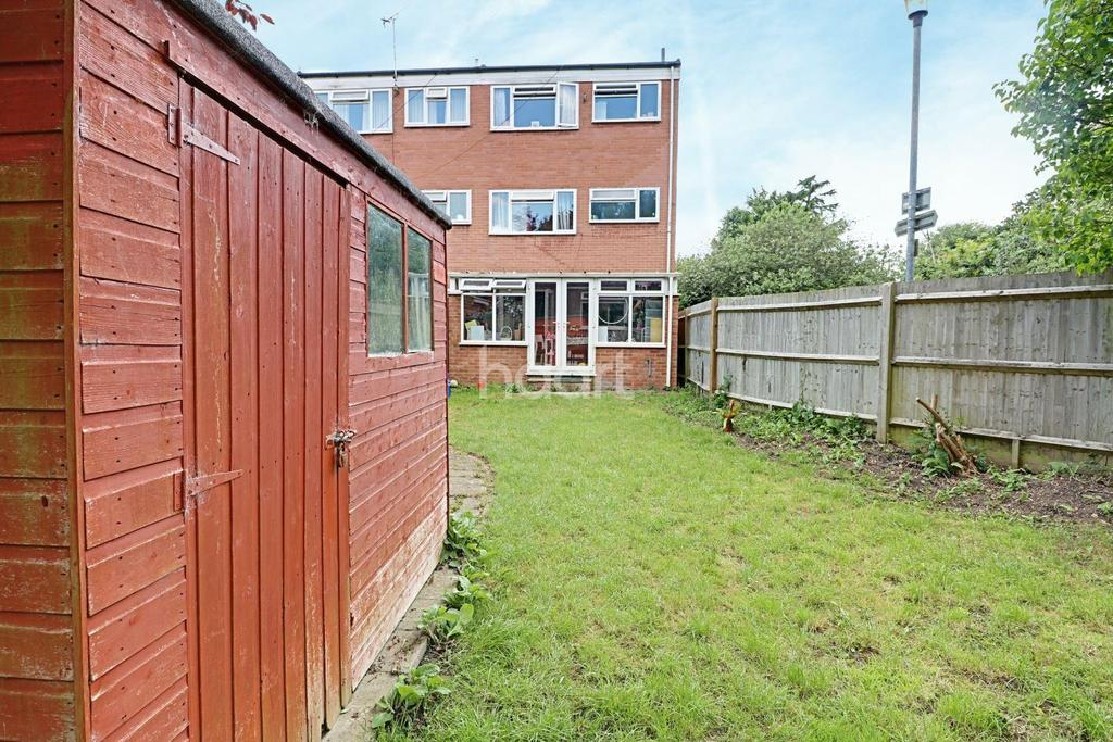 4 Bedrooms End Of Terrace House for sale in Bull Stag Green
