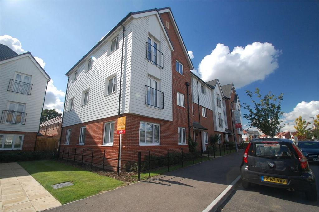 2 Bedrooms Flat for sale in Vellum Drive, Sittingbourne, Kent