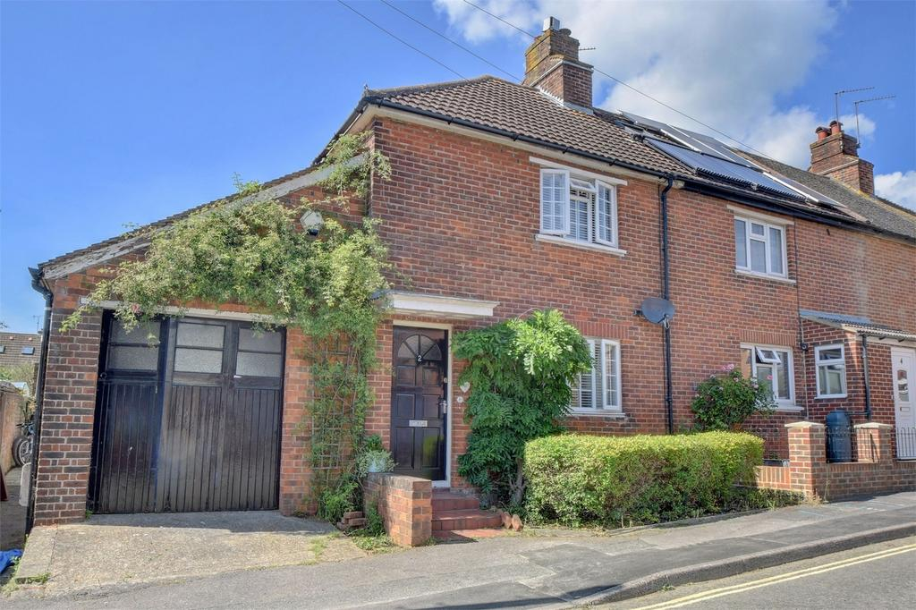 3 Bedrooms End Of Terrace House for sale in Penns Road, PETERSFIELD, Hampshire