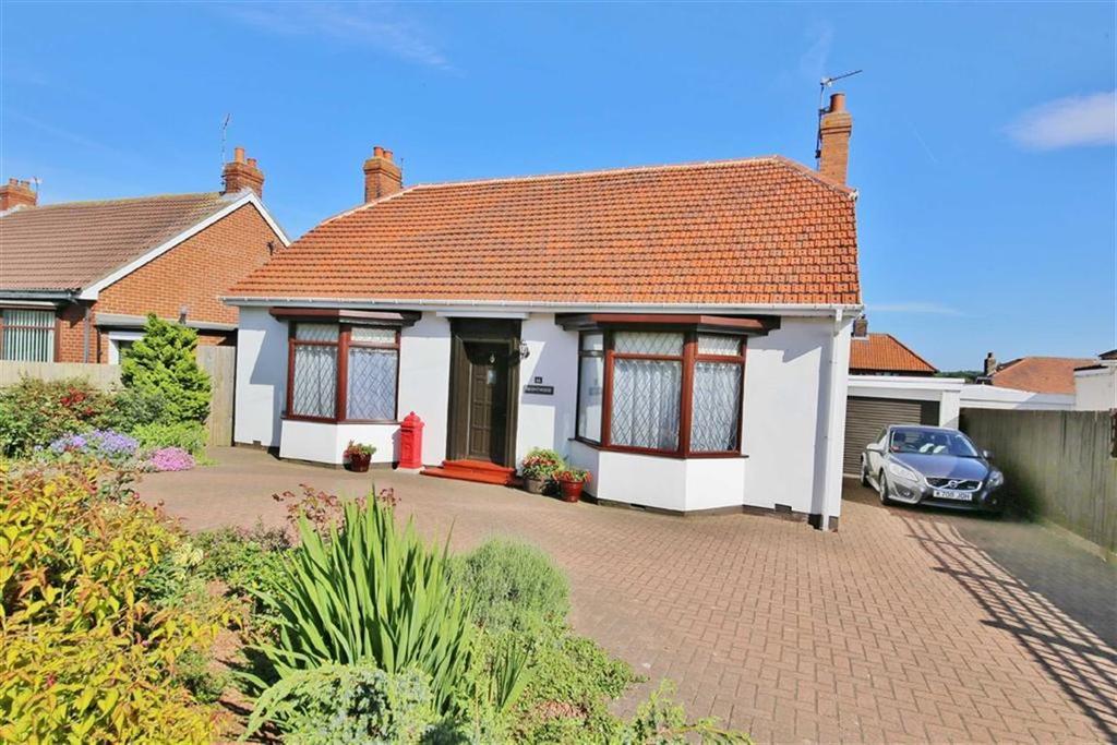 2 Bedrooms Detached Bungalow for sale in Durham Road, East Herrington, Sunderland, SR3