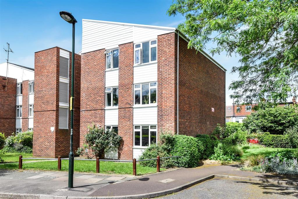 2 Bedrooms House for sale in Lambert Avenue, Richmond