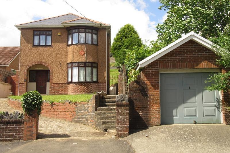 3 Bedrooms Detached House for sale in Tygwyn Road, Clydach, Swansea.