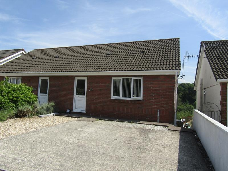 3 Bedrooms Semi Detached House for sale in Clydach Road, Craig-cefn-parc, Clydach, Swansea.