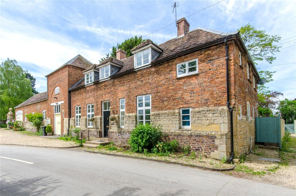 3 Bedrooms Semi Detached House for sale in Bredon, Worcestershire