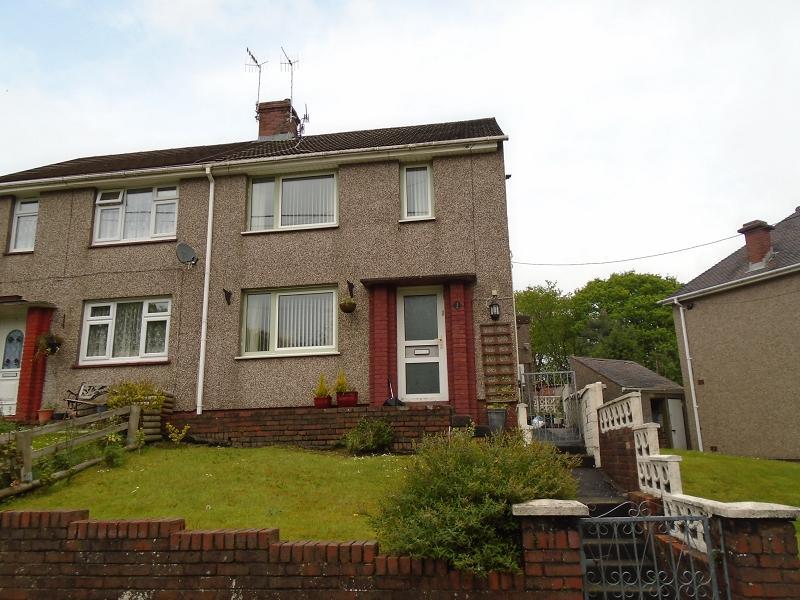 2 Bedrooms Semi Detached House for sale in Pencwmdu , Cilmaengwyn, Pontardawe.