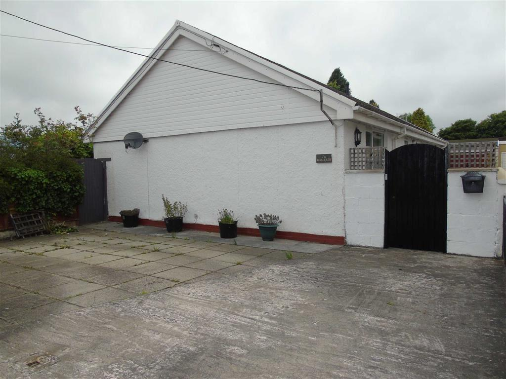 3 Bedrooms Detached Bungalow for sale in Mwrwg Road, Llangennech, Llanelli