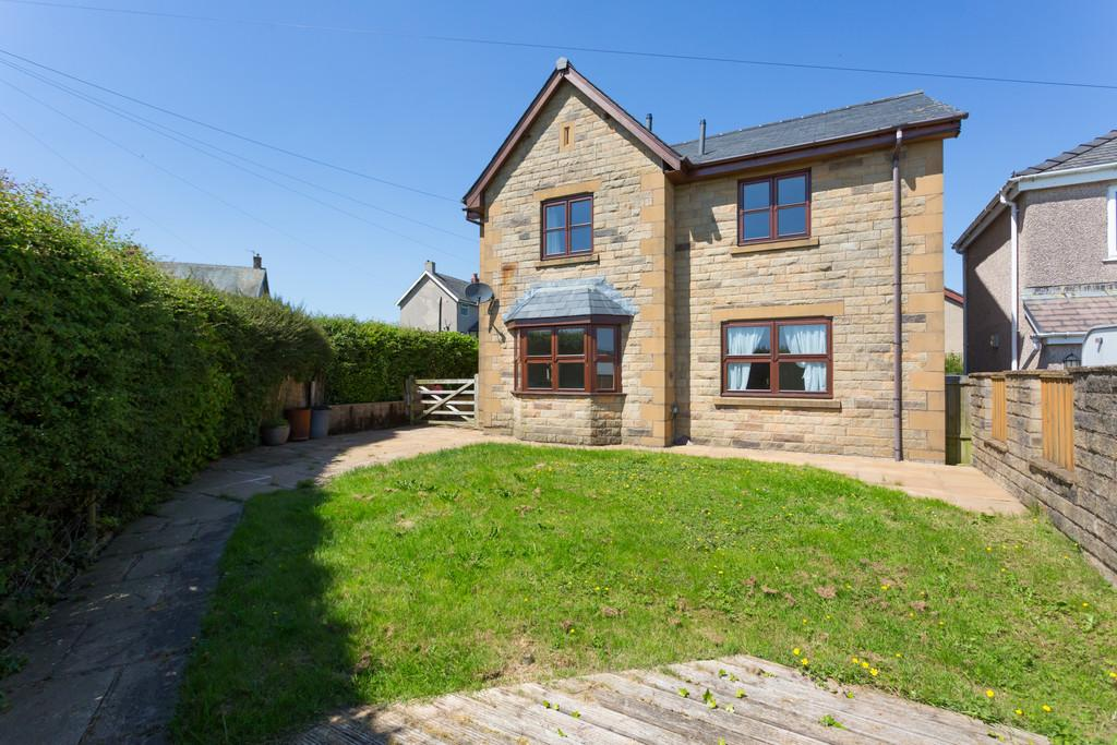 3 Bedrooms Detached House for sale in Fell View, Dolphinholme, Lancaster, Lancashire LA2 9AY