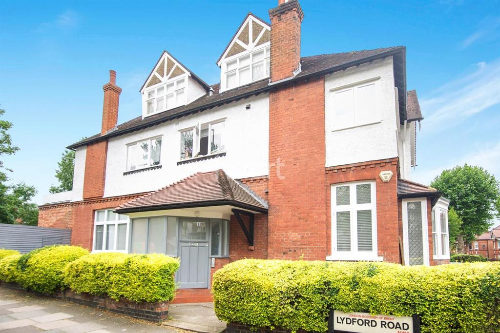 3 Bedrooms Flat for sale in Teignmouth Road, London, NW2