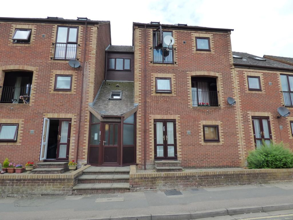 3 Bedrooms Apartment Flat for sale in Causeway, Banbury