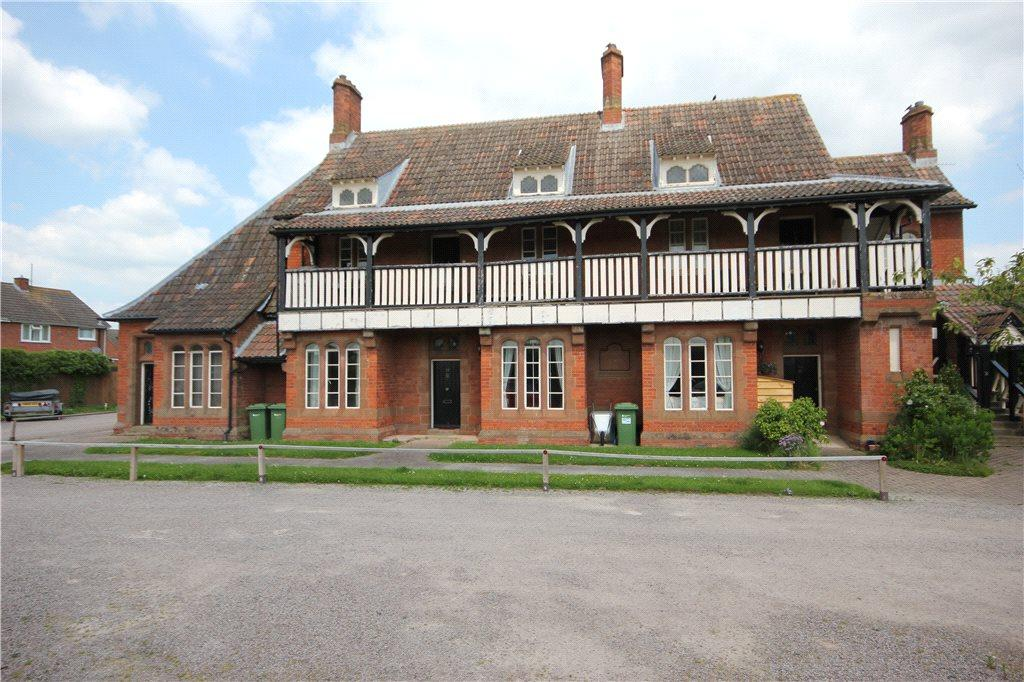 2 Bedrooms Apartment Flat for sale in St Charles Court, Lower Bullingham, Hereford, HR2
