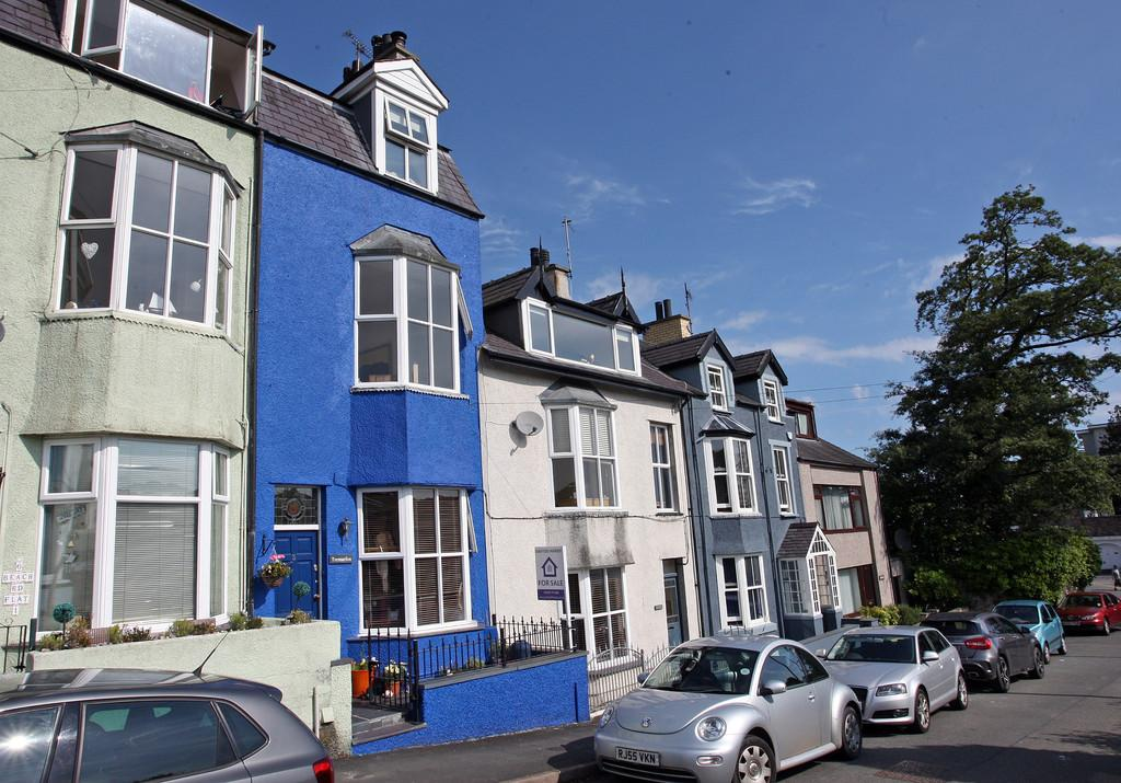 4 Bedrooms Town House for sale in Beach Road, Menai Bridge, North Wales