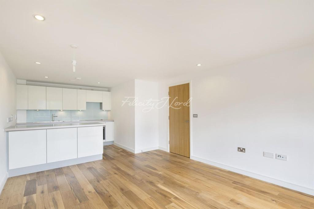 1 Bedroom Flat for sale in Seren Park Gardens, Blackheath, London, SE3