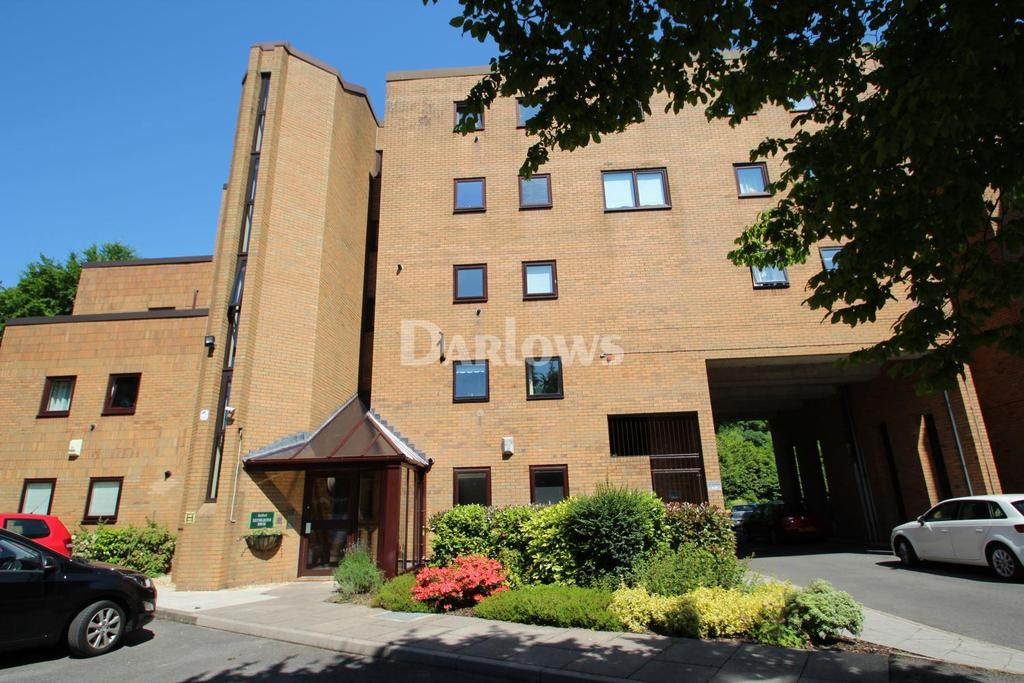 2 Bedrooms Flat for sale in Reynoldston House, The Crescent, Llandaff