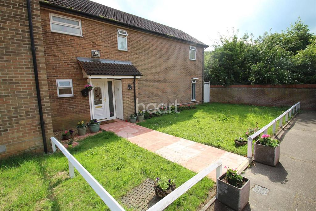 4 Bedrooms Semi Detached House for sale in Trenchard Crescent, Chelmsford