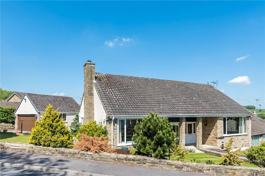 3 Bedrooms Detached Bungalow for sale in Meadowcroft, Hillcrest, Collingham, Wetherby
