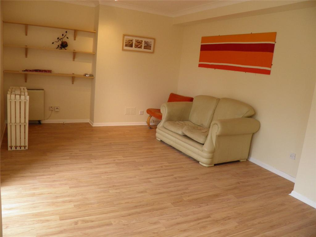 3 Bedrooms Maisonette Flat for sale in Acorn Walk, London, SE16