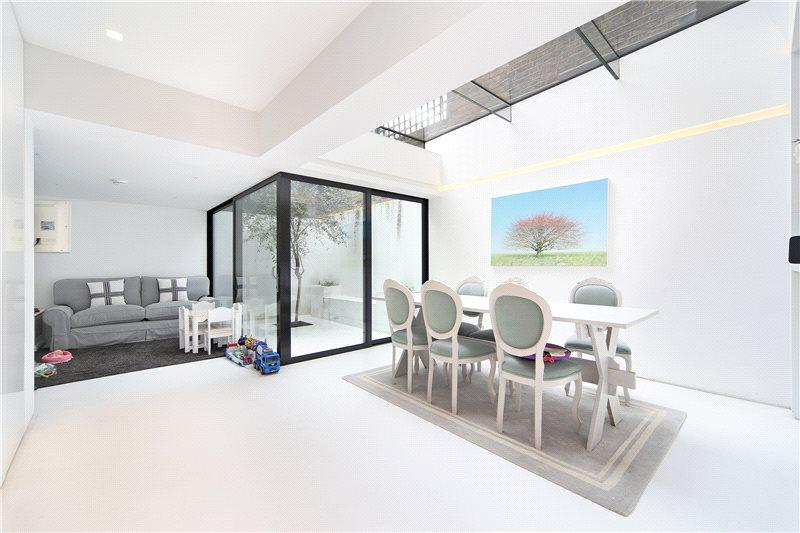 4 Bedrooms House for sale in Chepstow Place, London, W2