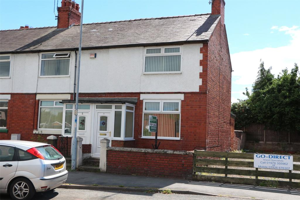2 Bedrooms End Of Terrace House for sale in Dean Road, Rhosnesni, Wrexham, LL13
