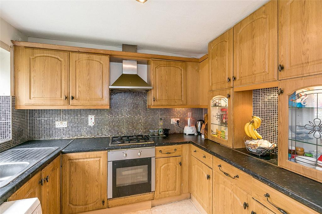 3 Bedrooms Terraced House for sale in Codling Way, Wembley, HA0